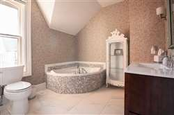 4 pc bathroom with soaker tub
