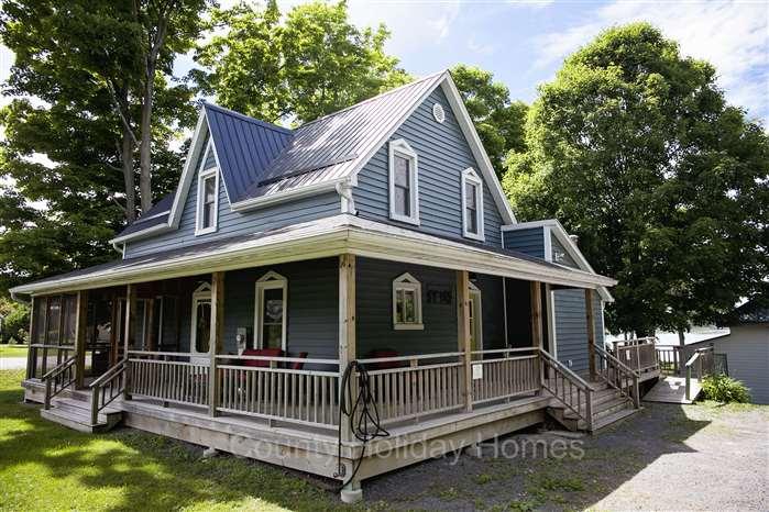 Prince Edward County Sandbanks Brookhaven House